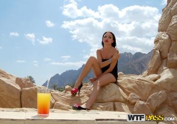 Inez Steffan Beach Hot Travel Sex Movie From Egypt: Day 5 - Very ...